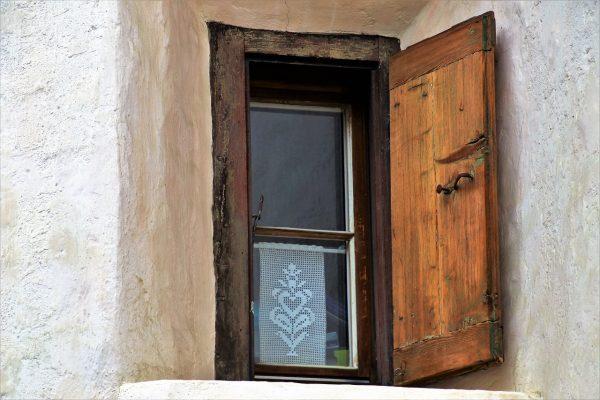 Usługi Szklarskie – Nie Tylko Szyby, Lustra I Witryny